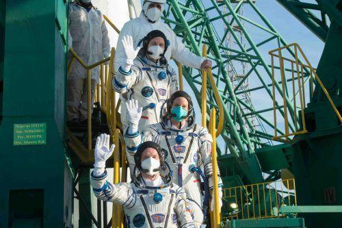 Die drei Raumfahrer werden voraussichtlich bis zum Frühjahr 2021 im All bleiben. AFP