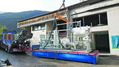 Die für das neueAbwärmeprojekt erforderliche Wärmepumpenanlage ist diese Woche in Gaschurn eingetroffen. RAL