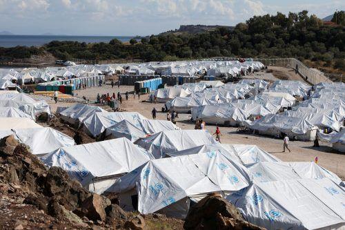 Die Hilfsorganisation kritisierte die Zustände im neuen Lager auf Lesbos. reuters