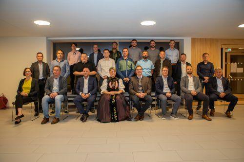 Die Mitglieder der neuen Gemeindevertretung wurden in der konstituierenden Sitzung feierlich angelobt.sto