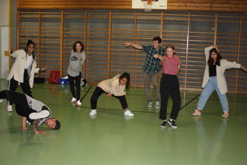 """Die Mitglieder des Rankweiler Tanzvereins """"One Step Ahead"""" sind entschlossen, die schwierige Zeit gemeinsam zu überstehen.VN/Knobel"""