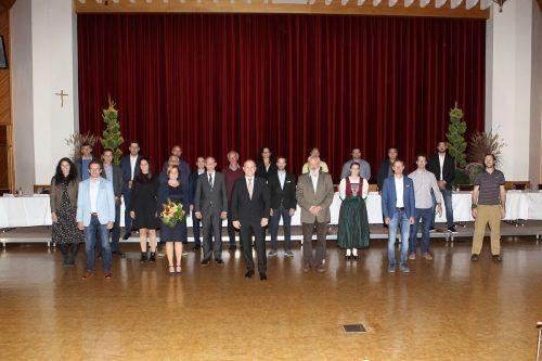 Die neue Nüziger Gemeindevertretung wurde am Freitag im Sonnenbergsaal feierlich angelobt.Gemeinde
