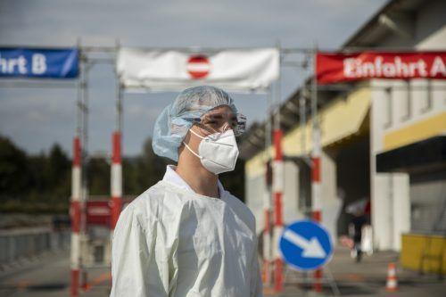 Die steigenden Infektionszahlen und damit verbundenen Anforderungen an das RK-Testteam verlangen nach mehr Platz und Personal. vn/paulitsch