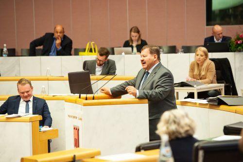 Die Wortmeldung des FPÖ-Landtagsabgeordneten Hubert Kinz enthielt, wie andere auch, so gar kein Lob für die Regierungsparteien.vlk/serra