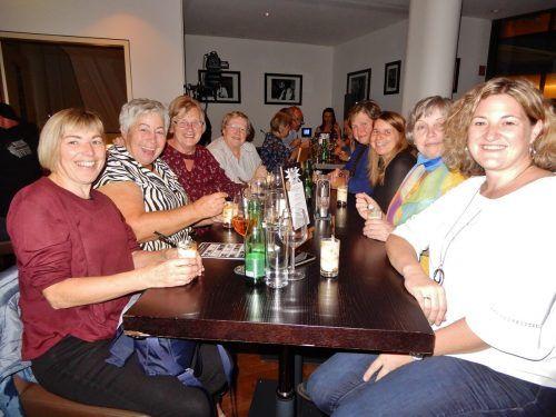 Diese fröhliche Damenrunde genoss einen kulinarischen Abend.