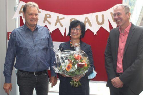 Dir. Mario Hammerer bedauert, dass er Kathi Kappaurer und Ehrenfried Eiler ohne eine angemessene Feier in den Ruhestand verabschieden musste. STP