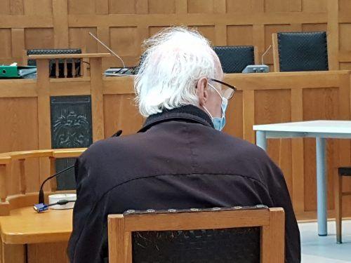 Er habe keine Zeit gehabt, den Artikel zu lesen, rechtfertigt sich der Rentner. EC