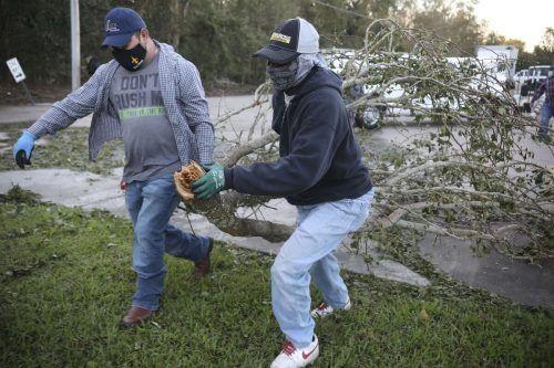 """Erste Ausläufer von """"Zeta"""" erreichten den US-Bundesstaat Louisiana. AFP"""