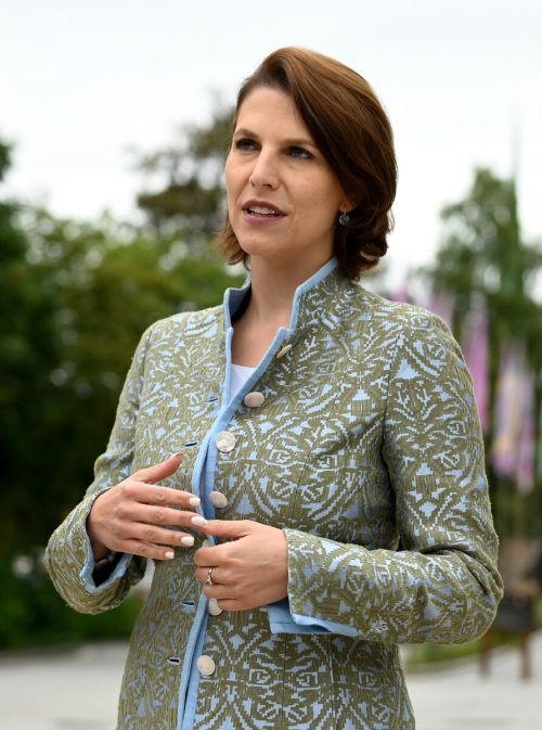 Europaministerin Edtstadler hält die Kriterien für nicht treffsicher genug.APA