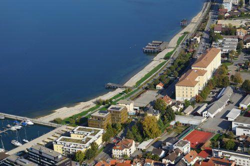 Neos: Standort Bregenz (Bild) sollte mit Bludesch zusammengezogen werden.Land