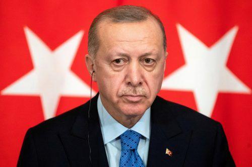 Frankreichs Präsident wolle Muslime schwächen, meint Erdogan. reuters