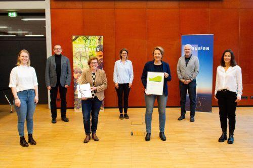 Freude über die erneute familieplus-Zertifizierung in Dornbirn bei den Verantwortlichen.Land