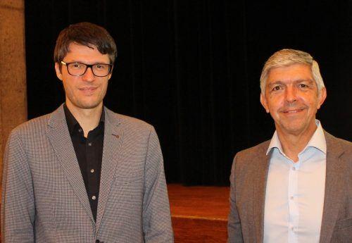 Gemeindesekretär Kurt Rauch (r.) und sein Nachfolger Bernhard Feurstein. STP/3