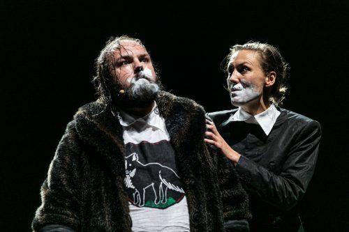 """Hervorragende Klassikerpflege mit Goethes Epos """"Reineke Fuchs"""" auf der Bühne. Schauspielhaus/Karelly"""