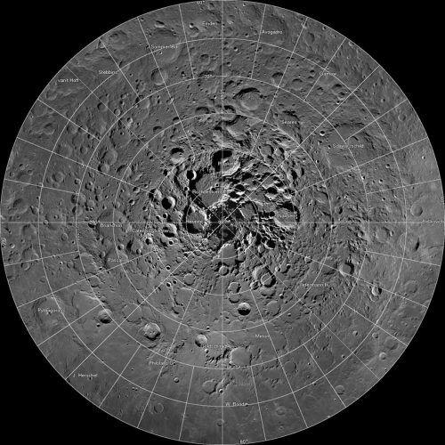 Hochauflösendes Mosaik der Nordpolregion des Mondes. Wasservorkommen wären enorm wichtig für die Erforschung des Erdtrabanten – etwa für bemannte Mondstationen. apa