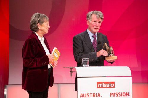 Hugo Ölz bei der Verleihung des Preises in Wien. Missio Austria