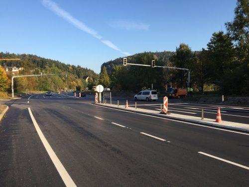 Im Frühjahr 2021 wird entlang der L 190 im Bereich Felsenau eine Lärmschutzwand errichtet. VN