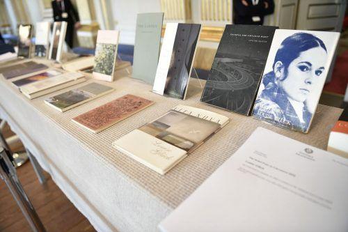 In Stockholm hatte die Schwedische Akademie Ausgaben der Werke von Louise Glück präsentiert. afp