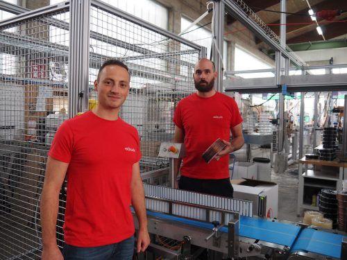 """Johannes Früh (r.) und Marco Depaoli (l.) produzieren unter ihrer erfolgreichen Marke """"Extrudr"""" hochwertige Kunststoff-Filamente für den 3D-Druckmarkt. Wisto"""