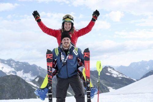 Katharina Liensberger vertraut mit Raphael Hudler auf einen neuen Servicemann, nachdem Sepp Weissenbacher seine Pension angetreten hat. gepa