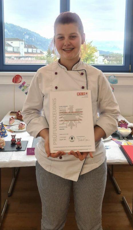 Laura Greber konnte ihre Lehre mit Auszeichnung abschließen.STR