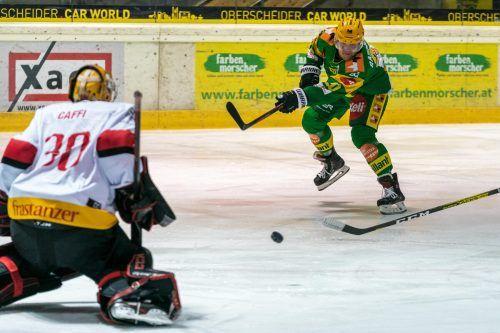 Lustenaus Angreifer Frederik Rasmussen nahm Maß, versenkte den Puck an VEU-Torhüter Alex Caffi vorbei zum 1:1-Ausgleich.stiplovsek