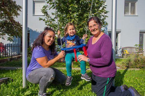Marianne mit ihrer ehemaligen Pflegetochter Derya und deren dreijähriger Tochter Theoni Lorin. VN/Steurer