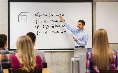Mathematik ist eines der MINT-Fächer, für die junge Menschen begeistert werden sollen. Shutterstock