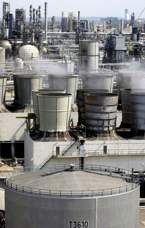 Mit geeigneten Katalysatoren lässt sich aus Wasserstoff und Kohlendioxid auch direkt eine Art Dieselöl erzeugen.apa