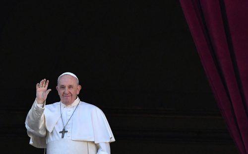 Mit seinen Äußerungen in einer Dokumentation über gleichgeschlechtliche Partnerschaften sorgt Papst Franziskus für Jubel, aber auch für Kritik aus der eigenen Kirche.