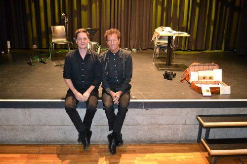 Musiker Philipp Lingg und Autor Rainer Juriatti ergänzten sich großartig.
