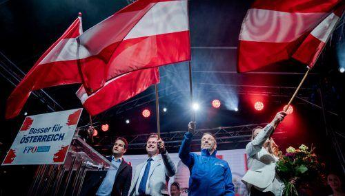 Nepp (v.l.)Hofer,Kickl undBelakowitsch beim Wahlkampfabschluss in Wien. Es folgte eine herbe Niederlage.APA