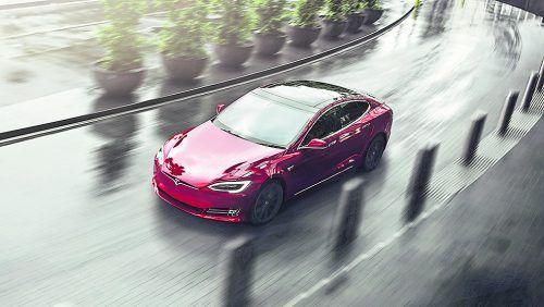 Neues Topmodell bei Tesla mit über 1100 PS Leistung.werk