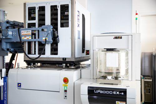 Photeon Technologies hatein eigenes Wafer-Testgerät für rund eine Million Euro am Standort Dornbirn angeschafft. FA/Folie