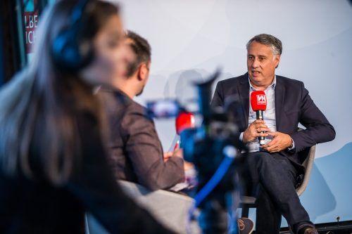 Politik-Talk im TV-Studio von VN.at. Thomas Hopfner stellte sich den Fragen von VN-Redakteur Michael Prock.VN/Steurer
