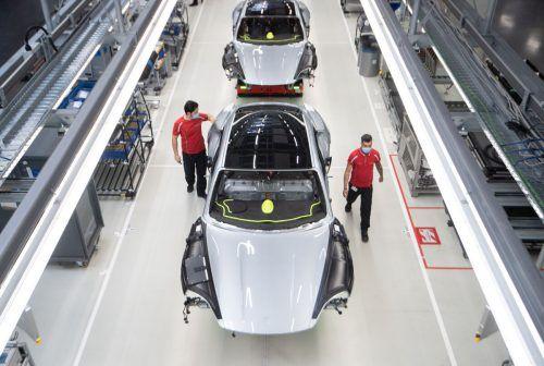 Porsche macht in der Coronakrise etwas Boden gut. Vom Niveau des Vorjahres ist der Stuttgarter Sportwagenbauer allerdings immer noch ein ganzes Stück entfernt. apa