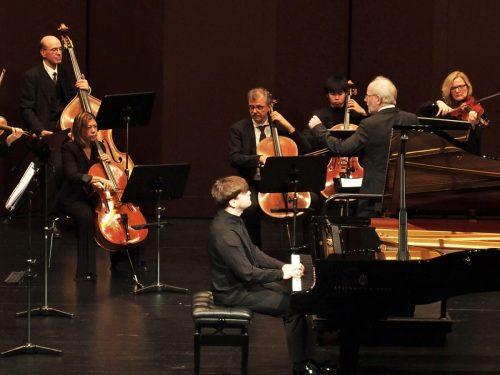 Sinfonietta Köln unter dem DirigentenCornelius Frowein mit dem SolistenGeorgy Tchaidze im Kulturhaus Dornbirn. ju