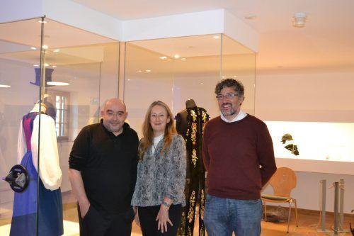 Stoph Sauter, Elisabeth Walch und Michael Kasper freuen sich sehr über die gelungene neue Ausstellungsform. bi