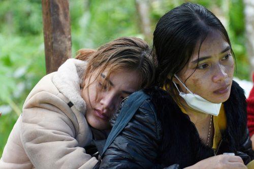 """Trauer wegen Taifun """"Molave"""" im Zentrum Vietnams: Über 30 Menschen starben, Dutzende werden nach Schlammabgängen vermisst. reuters"""