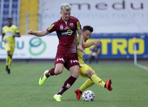 Verteidiger Philipp Schmiedl wechselt nach Dänemark, heute soll Ersatz kommen.gepas
