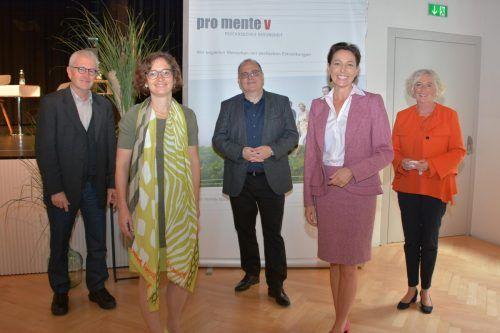 Walter Lang (v.l.), Dr. Margarete Laschalt-Schweigkofler, Dr. Elmar Weiskopf, LR Martina Rüscher und LR Katharina Wiesflecker.VLK