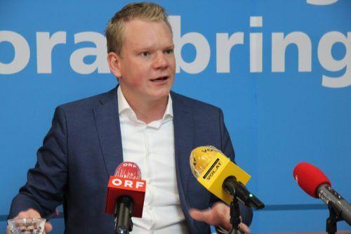 Wir brauchen eine echte Offensive für leistbares Wohnen in Vorarlberg.Die schwarz-grüne Landesregierung schafft es aber nicht, wirksame Maßnahmen zu setzen um endlich Verbesserungen zu schaffen. Christof Bitschi, FPÖ