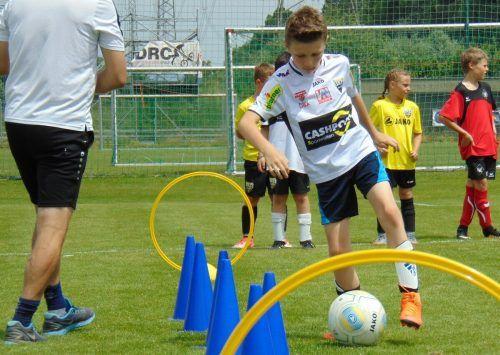 Zum zweiten Mal lädt der SCR Altach zum Fußballcamp in den Herbstferien.Michael Mäser