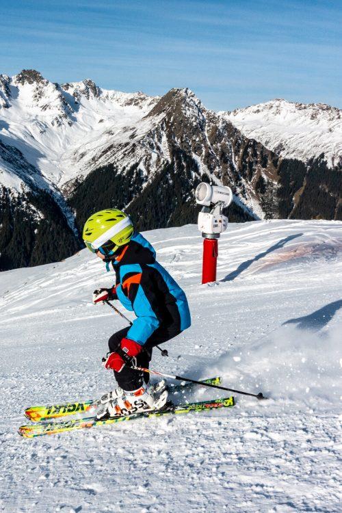 3,2 Millionen Österreicher gehen laut Kuratoriumfür Verkehrssicherheitgelegentlich Ski fahren, 1,6 Millionen regelmäßig.Lerch