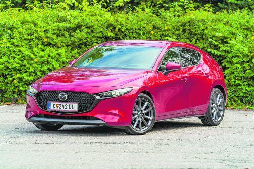 Äußerlich unterscheidet sich der Jubliäums-Mazda nicht vom Basismodell. Das Geschenk sitzt unter der Motorhaube.VN/Stiplovsek