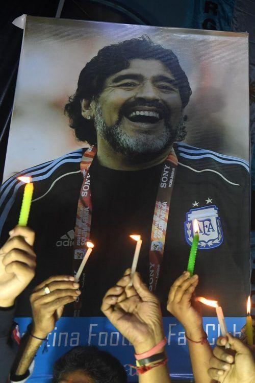 Argentiniens verstorbenes Fußball-Idol Diego Maradona wurde bereits auf dem Friedhof der Gemeinde Bellavista im Nordwesten von Buenos Aires beigesetzt.Reuters