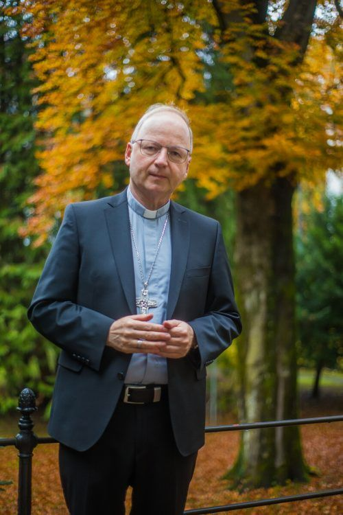Bischof Benno will zum gemeinsamen Friedensgebet einladen. vn/steurer