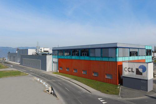 Das Firmenareal des Verpackungsspezialisten CCL in Hohenems (Bild) gehört nun der F. M. Hämmerle Holding. CCL hat Boden in Dornbirn (Grafik) gekauft. Fa