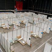 """<p class=""""caption"""">Das NVZ in der Halle 9 besteht aus insgesamt 200 Betten. Jedes von ihnen kann mit Sauerstoff versorgt werden. VN/Stiplovsek</p>"""