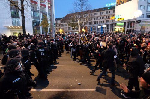"""Demonstration von """"Querdenkern"""" in Leipzig. Es gab unzählige Verstöße gegen die Hygieneregeln.dpa"""